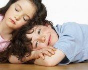 Enuresie - frere et soeur calme