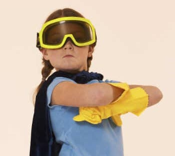 Night Guard - monitoring function - Little girl with yellow gloves